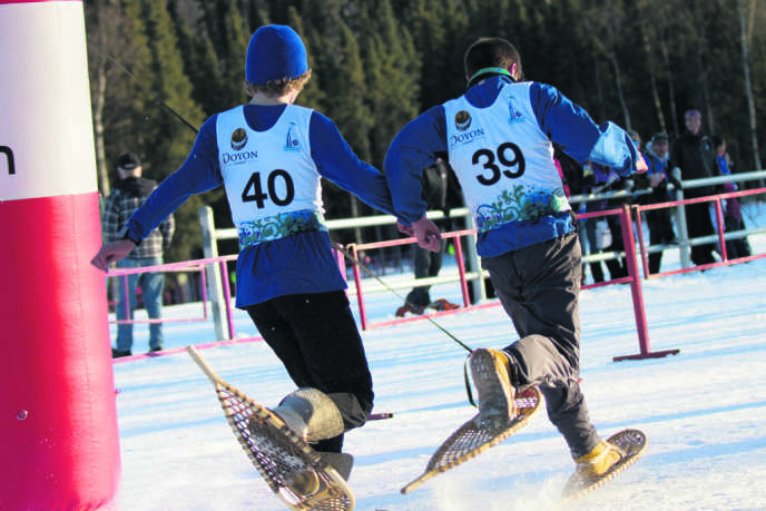 La course en raquettes, une des épreuves officielle des Jeux arctiques.
