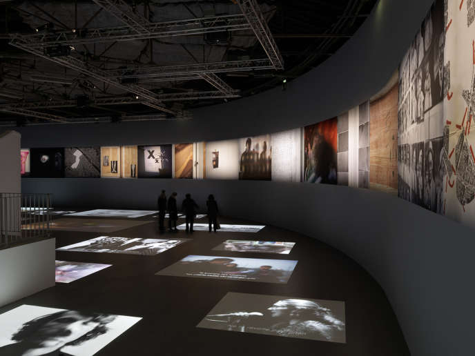 Vue de l'exposition de Georges Didi-Huberman et d'Arno Gisinger,