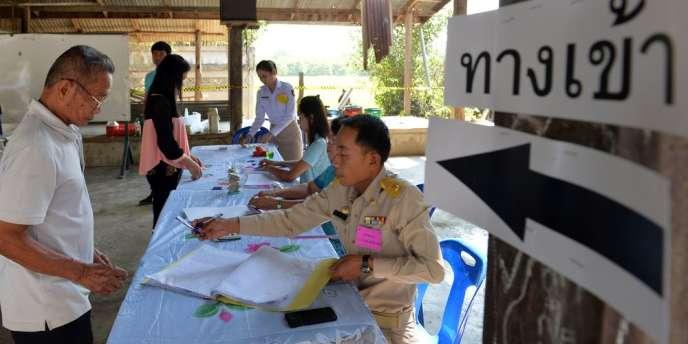 Quelque 10 % des bureaux de vote thaïlandais avaient été bloqués lors des élections législatives du 12 février.