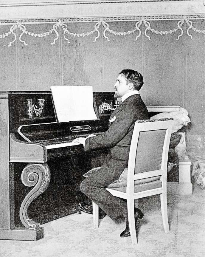 Portrait de Reynaldo Hahn (1875 - 1947).