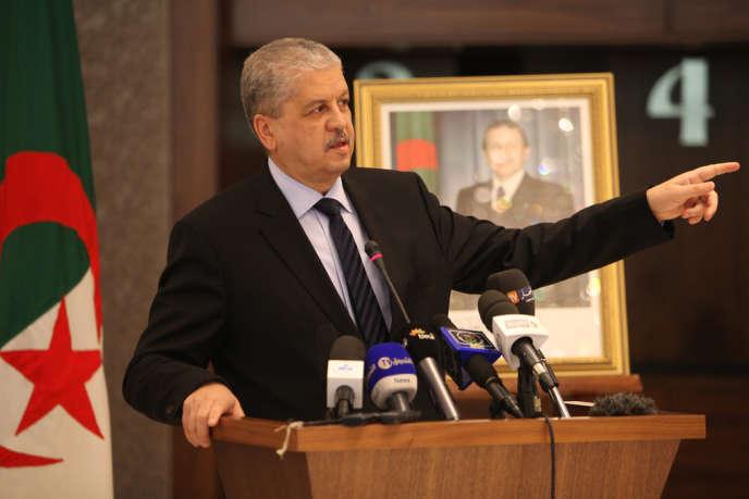 Abdelmalek Sellal après avoir été le directeur de campagne du président algérien Abdelaziz Bouteflika, ici le 18 mars,  reprend ses fonctions de premier ministre.