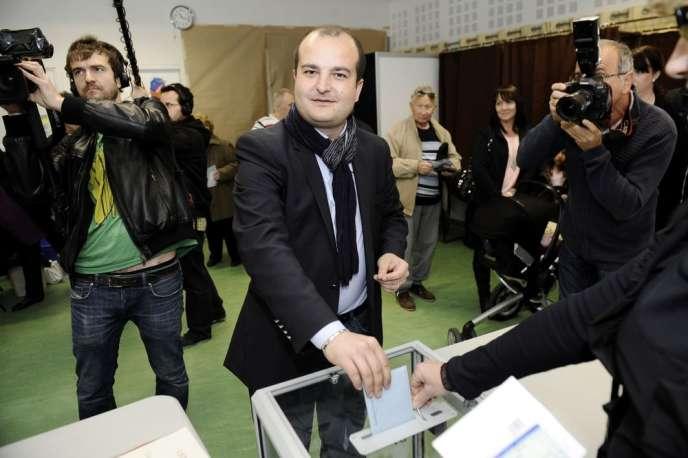 Le candidat du parti d'extrême droite, David Rachline, est arrivé en tête dimanche, avec 40,3% des voix, profitant du rejet du maire actuel par cette ville de 53000habitants.