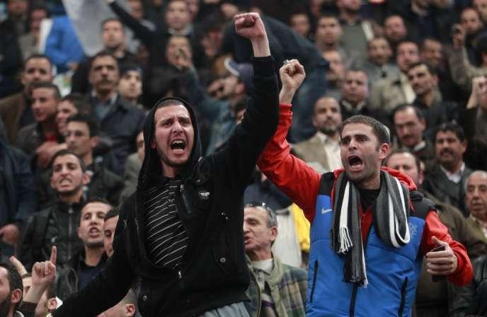 Des manifestants à Alger le vendredi 21 mars.