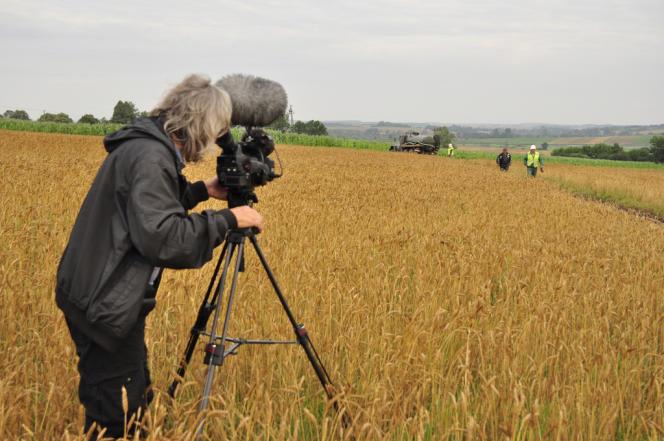 Lech Kowalski a posé sa caméra dans la campagne polonaise, et montre la faune et la flore comme un écosystème de plus en plus nocif.