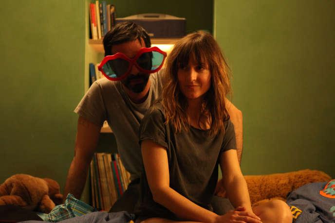 Samuel Benchetrit et Camille Chamoux dans le film français de Mona Achache,
