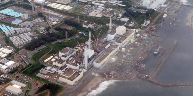 Quelque 400 tonnes d'eau souterraine entrent chaque jour dans les bâtiments du site atomique de Fukushima.