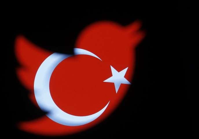 L'interdiction du réseau social décrétée par le gouvernement de Recep Tayyip Erdogan, dénoncée par la communauté internationale, est massivement contournée par les internautes.