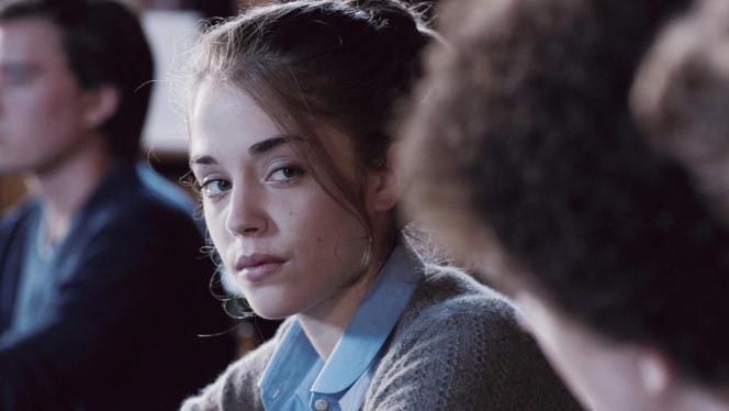 Alice Isaaz dans le film français de Kim Chapiron,