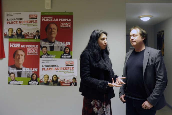 Jean-Christophe Sellin, le candidat du Parti de gauche à la mairie de Toulouse, avec sa colistère Myriam Martin, le 19 mars.
