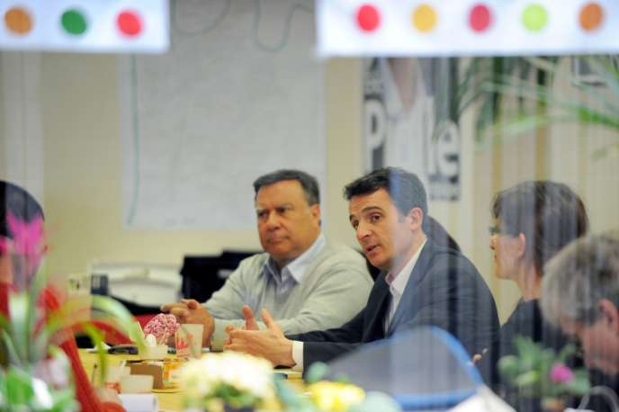 Le candidat EELV Eric Piolle, à Grenoble, le 24 mars.