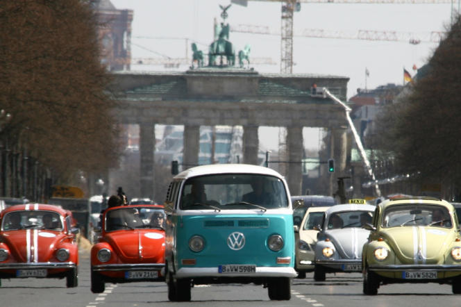 Devant la porte de Brandebourg, à Berlin, en avril 2013.