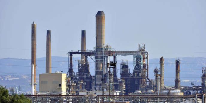 La raffinerie LyondellBasell, à Berre-L'Etang, à l'arrêt depuis décembre 2011.