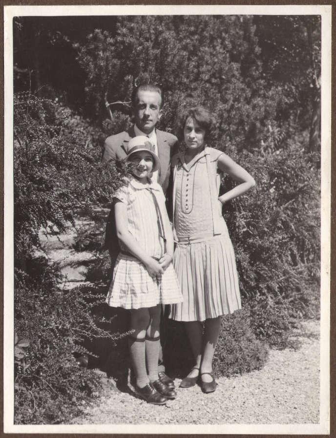 Paul Eluard, Gala et leur fille Cécile à la fin des années 1920.