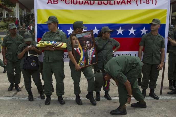 Le 15 mars à Caracas. L'armée soutient encore le successeur d'Hugo Chavez, Nicolas Maduro.
