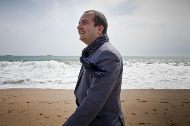 David Rachline, candidat du Front national, s'empare de la mairie de Fréjus.