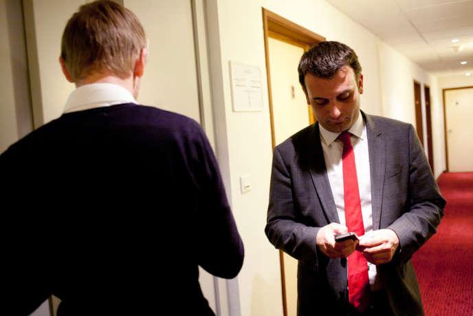 Florian Philippot, vice-préŽsident du FN et bras droit de Marine Le Pen, après l'annonce de sa défaite face à Laurent Kalinowski (PS).