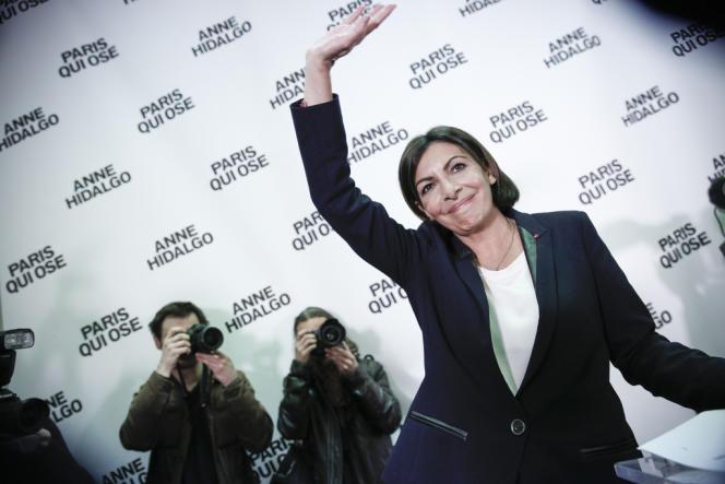 Anne Hidalgo, à Paris, le 30 mars.