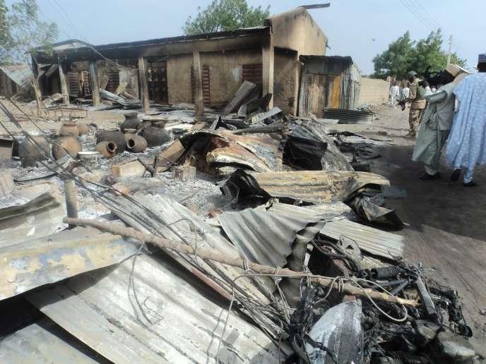 La moitié des victimes sont des civils, selon Amnesty, qui s'inquiète notamment des informations faisant état d'exécutions sommaires de centaines de personnes suspectées d'appartenir à Boko Haram après l'évasion massive d'une prison le14mars.