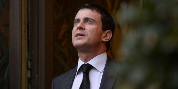 Après avoir entretenu le silence et le mystère jusqu'à la débâcle du PS aux élections municipales, François Hollande a finalement choisi le ministre de l'intérieur pour succéder à Jean-Marc Ayrault.