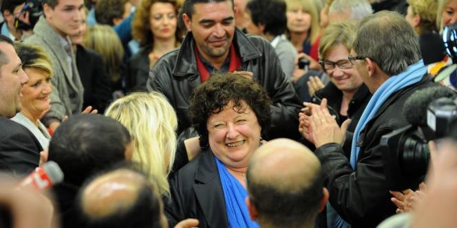 Brigitte Fouré est arrivée en tête du second tour, battant le candidat de gauche Thierry Bonté et le frontiste Yves Dupille.