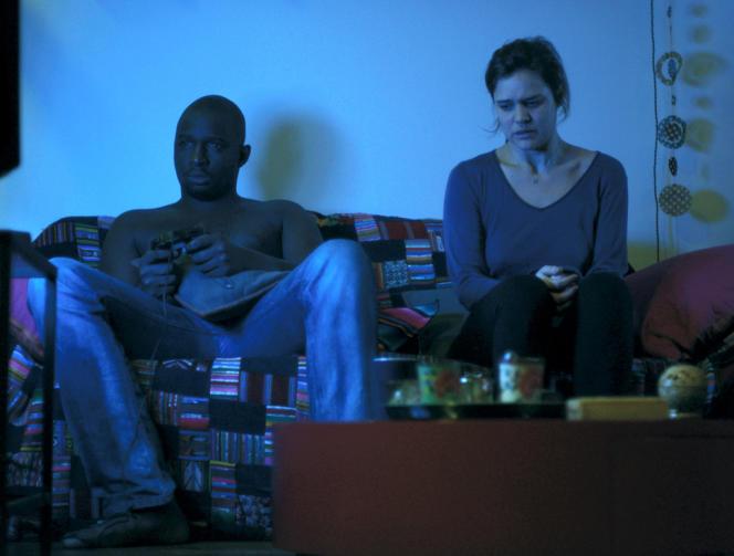 Marie Denarnaud et Oumar Diaw dans le film français d'Audrey Estrougo,