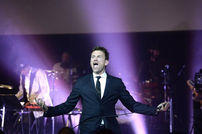 Damon Albarn, star de la brit-pop, est l'un de ceux, sur la scène du Barbican Centre, à Londres, à rendre hommage au mystérieux chanteur nigérian William Onyeabor.