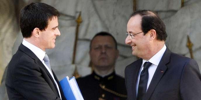 Les noms des seize ministres du gouvernement de Manuel Valls ont été annoncés le 2avril par le secrétaire général de l'Elysée, Pierre-René Lemas.