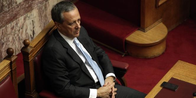 Panayiotis Baltakos, secrétaire général du gouvernement grec, a démissionné mercredi 2 avril après la diffusion d'une vidéo en caméra cachée le montrant discutant avec le porte-parole du parti néonazi Aube dorée.