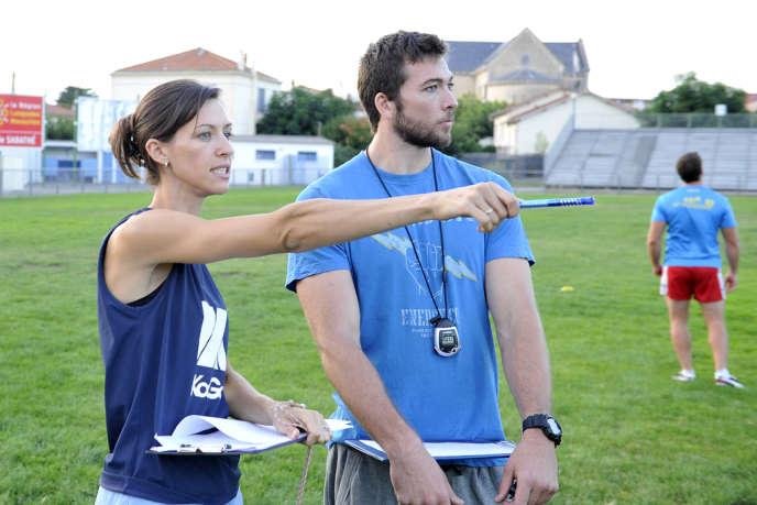 Audrey Zitter montrait déjà la voie à suivre, en début de saison 2013-2014, en compagnie du préparateur physique de l'équipe.