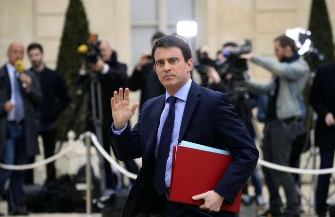 Le nouveau chef du gouvernement, Manuel Valls, lors de son arrivée au conseil des ministres, le 4 avril.