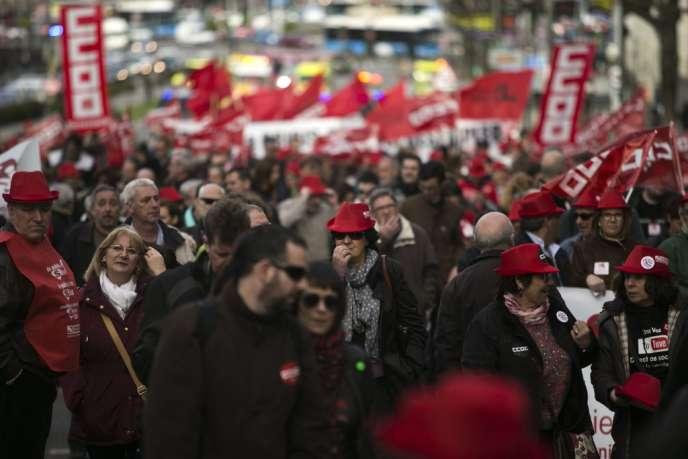 Les manifestants de toute l'Europe ont dénoncé mardi 3 avril à Madrid les politiques d'austérité à l'appel de la Confédération européenne des syndicats.