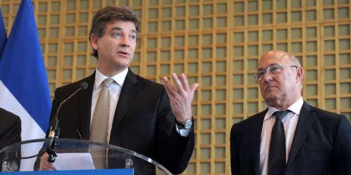 Le duo que forme MM. Montebourg et Sapin à Bercy suscite le scepticisme de certains commentateurs, auquel M. Montebourg a répondu en parlant d'un « tandem de choc » qui « pédale ensemble ».
