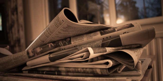 Selon une étude du centre de recherche Pew publiée jeudi, les recettes publicitaires ont chuté de 55% entre2006 et2012 dans la presse papier mais celles des abonnements ont augmenté.