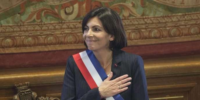 Anne Hidalgo a été formellement élue maire de Paris, samedi5avril, par le Conseil de Paris.