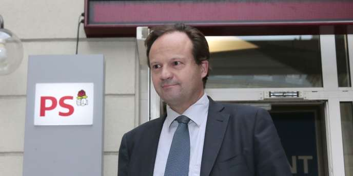 Dans ce courrier « inédit », selon l'un de ses initiateurs (ici le député PS Jean-Marc Germain), les parlementaires souhaitent que l'Assemblée soit davantage entendue et prônent une « réorientation » de l'Europe ainsi qu'un « choc de demande ».