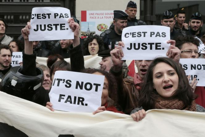 Manifestation des intermittents, devant le Palais de Chaillot, le 4 avril.