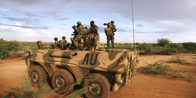 Un blindé de l'Union africaine en Somalie, le14mars2014.