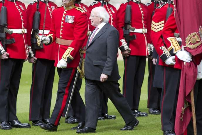 Le président irlandais Michael Higgins reçu au château de Windsor, mardi 8 avril.