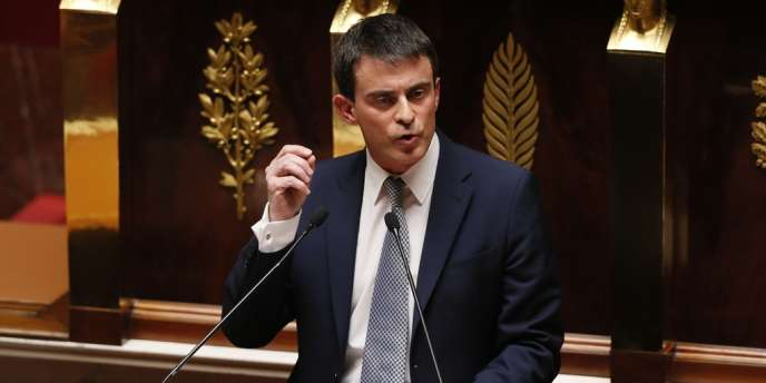 Manuel Valls à la tribune de l'Assemblée nationale, mardi 8 avril.