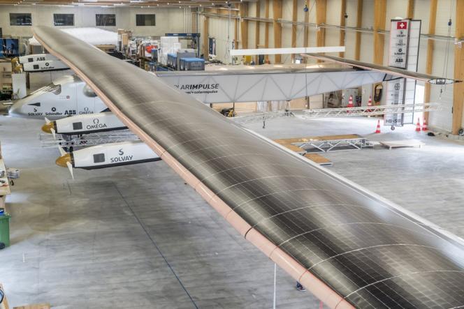 L'aéroplane Solar Impulse 2, à Payerne, en Suisse. Les premiers essais auront lieu en mai 2014.