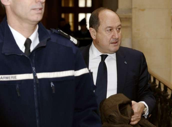 L'ancien directeur du renseignement intérieur arrive, le 18 février, arrive au tribunal de Paris dans l'affaire des fadettes.