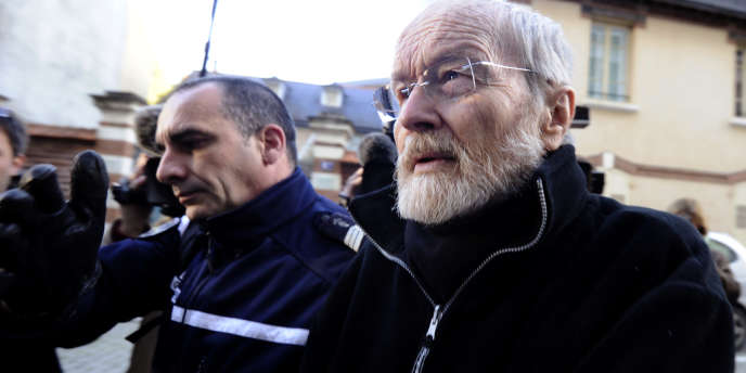 Les accusations surprises et les démentis se multiplient dans le procès de Maurice Agnelet, accusé d'avoir tué sa maîtresse Agnès LeRoux.