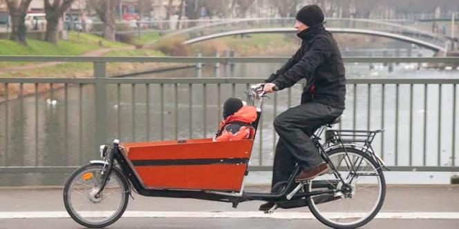 Sur les quais de l'Ill, à Strasbourg, on se croirait à Amsterdam ou Copenhague.