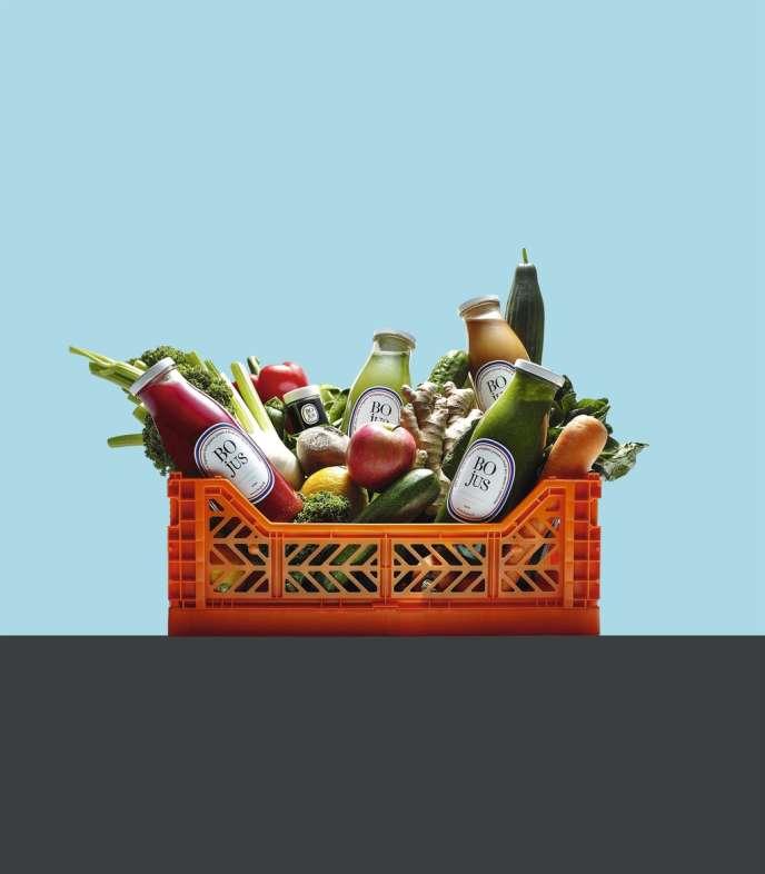 La mode des jus de légumes et  de fruits bio, livrés à domicile, arrive en France :  du prêt-à-consommer alliant santé et simplicité d'utilisation, avantageux substitut  au fast-food. -