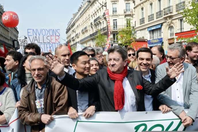 Jean-Luc Mélenchon, Alexis Tsipras et Pierre Laurent aux premiers rangs de la manifestation contre l'austérité, à Paris, le 12 avril.