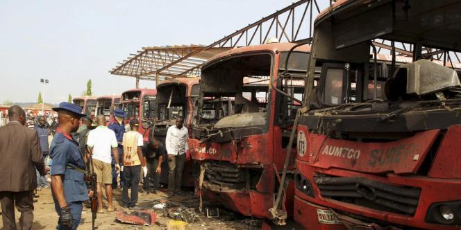 L'attentat à la bombe perpétré lundi 14 avril au matin dans une gare routière à 8 kilomètres au sud d'Abuja, en pleine heure de pointe, est le pire qu'ait connu la capitale nigériane jusqu'ici.