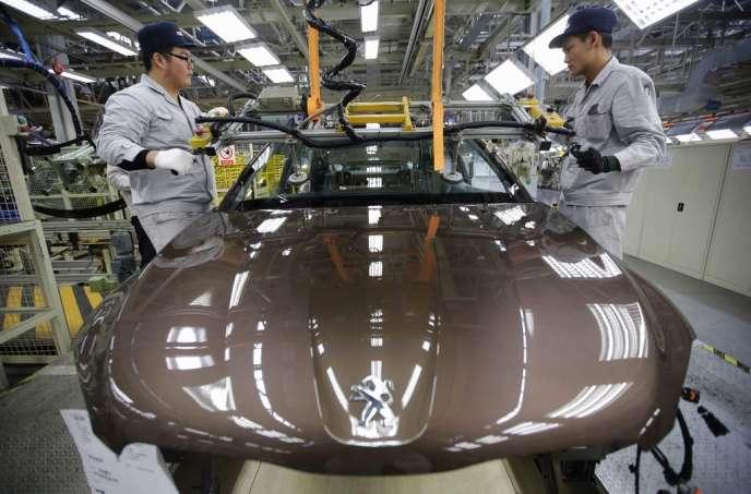 PSA, qui va bientôt voir entrer à son capital l'Etat français et le constructeur automobile chinois Dongfeng, veut accélérer sa croissance en Chine et dans les pays d'Asie du Sud-Est.