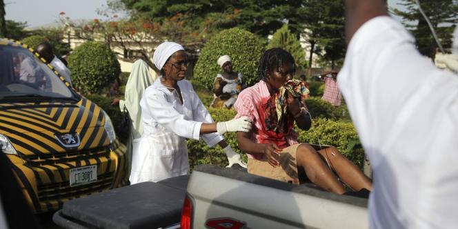 Le président nigérian Goodluck Jonathan, s'est rendu sur place et a laissé entendre que l'attaque était bien le fait des islamistes.