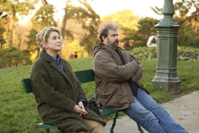 Catherine Deneuve et Gustave Kervern dans le film français de Pierre Salvadori,