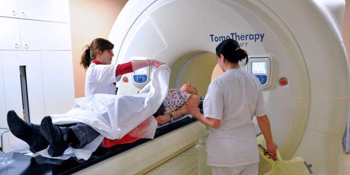 Au centre de cancérologie Oscar-Lambret à Lille, en février 2013.